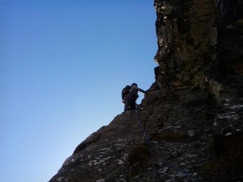 espolón norte del Aspe, bajo los desplomes. foto: Félix Escobar