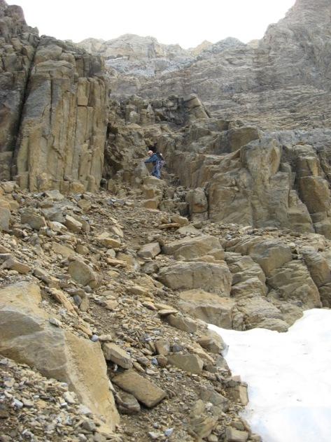 bajada de la Canal Norte del Pico de Ripera. foto: Luis Gil
