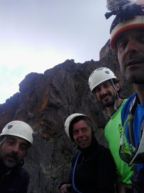 Jean Santé 2.506m. Luis, Montse, Rafa y yo mismo. selfie: Félix Escobar