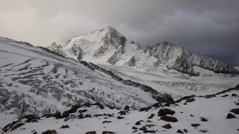 Aiguille du Chardonnet 3.824m. más allá está el marrón... foto: Eva Abascal