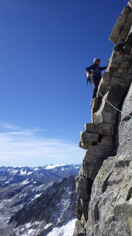 vertical pero fácil, buen granito y equipado. foto: Eva Abascal