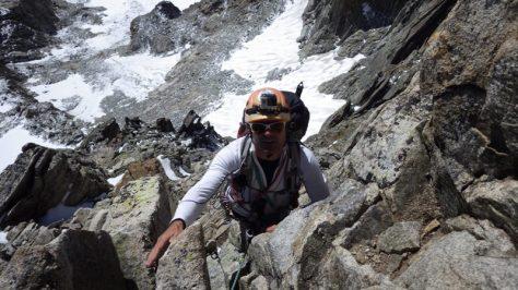 voy en cola de grupo, disfrutando de la escalada. foto: Eva Abascal