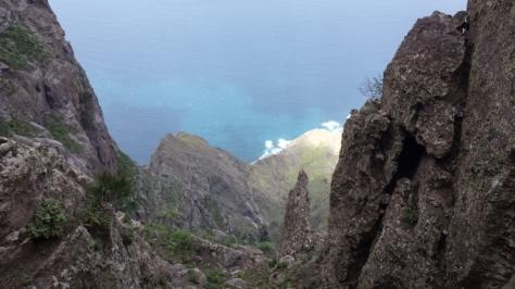 bajada hacia el Paso de La Piedra. foto: Eva Abascal