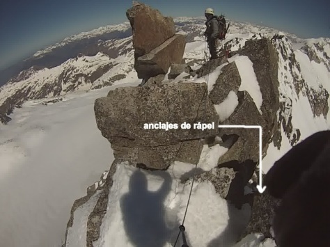 Punta d'Astorg 3.354m. ubicación de los anclajes de rápel. captura de vídeo: Félix Escobar