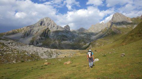 Peña Ubiña y El Siete, por el valle de Meicín. foto: Eva Abascal