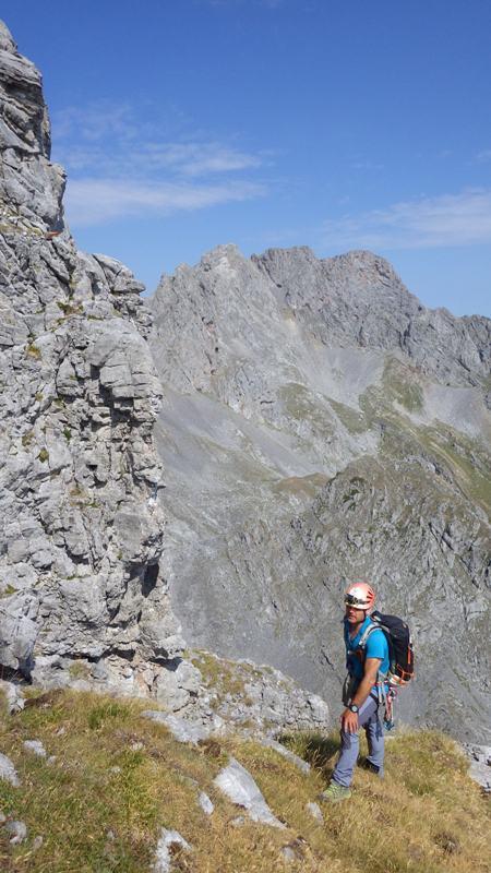 en la cresta Este, vista hacia los Picos del Portillín. foto: Eva Abascal