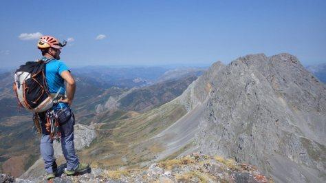 vistas hacia el norte desde la antecima; el macizo de Los Fontanes. foto: Eva Abascal