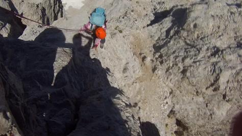 paso de IIIº en la cresta del Llambrión. captura de vídeo: Félix Escobar