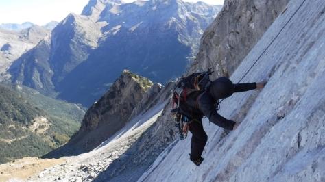 escalada en paralelo para los segundos de cordada. foto: Félix Escobar
