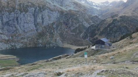lago y refugio d'Espingo, 1.950m. foto: Félix Escobar