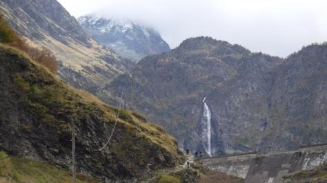 regreso por la cascada de Oô. foto: Félix Escobar