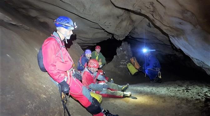 Sistema Motillas, Ramblazo a Cueva del Agua, travesía espeleológica